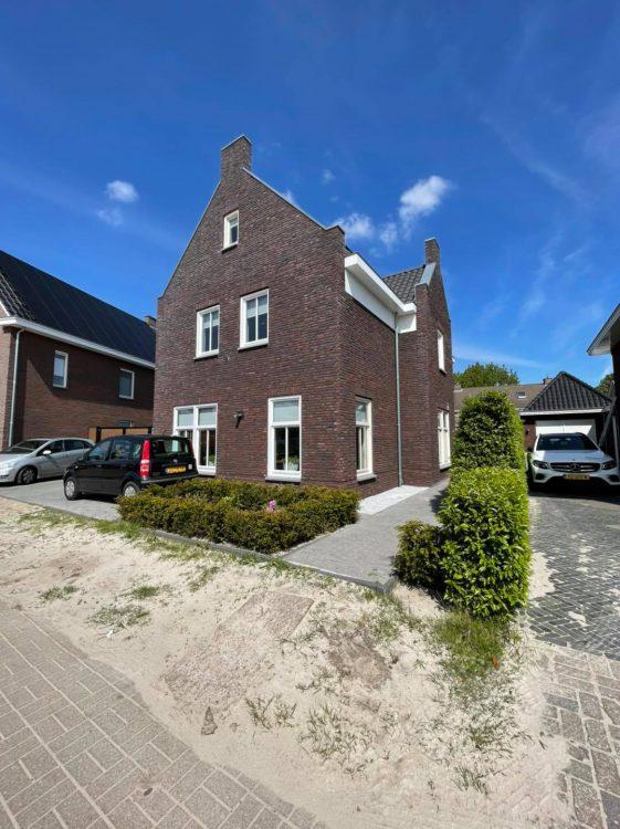 Nieuwbouw vrijstaand huis in Brouwhuis